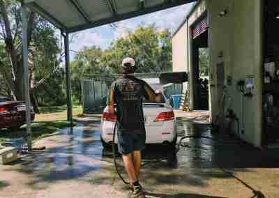 rainbow beach mechanic washing cars